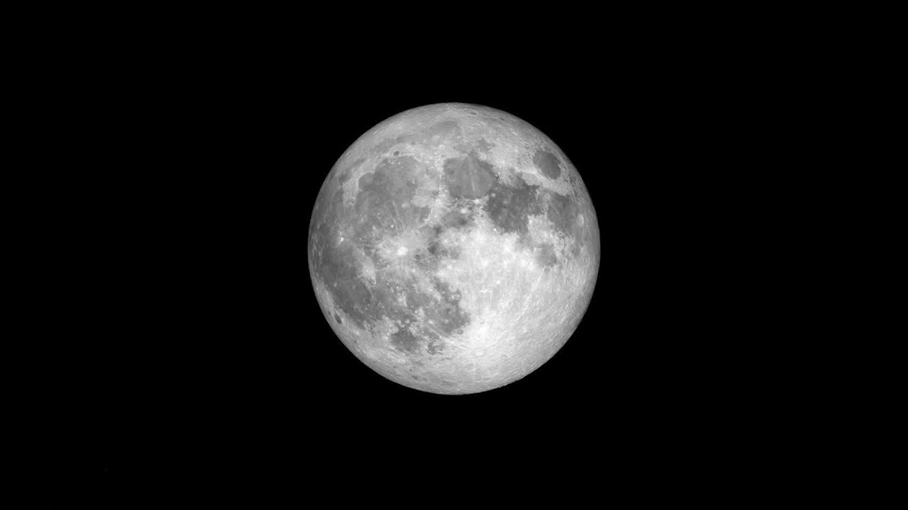 Picture of full moon on black background